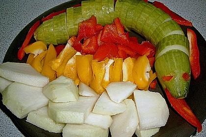 Gurkenschlange im Gemüsebeet 24