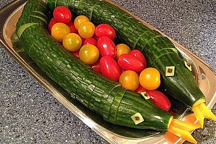 Gurkenschlange im Gemüsebeet 15