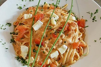 Dieters Linguine mit würziger Camembert - Tomaten - Sauce 3