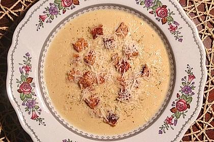 Knoblauchsuppe mit Parmesan 1