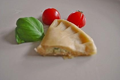 Ravioli, gefüllt mit Mozzarella, getrockneten Tomaten und Rucola 41