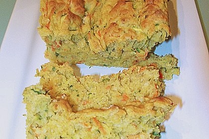 Möhren - Zucchini - Brot mit Parmesankäse 1