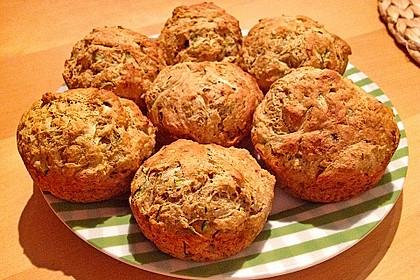 Möhren - Zucchini - Brot mit Parmesankäse 2
