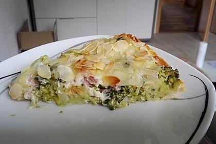 Brokkolitorte mit Mandel - Käsehaube 5