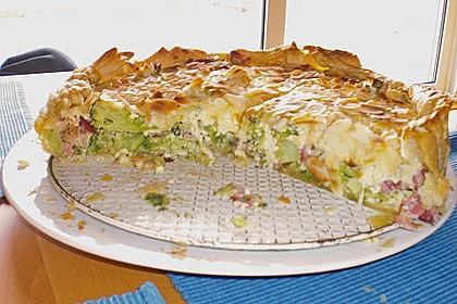 Brokkolitorte mit Mandel - Käsehaube 9