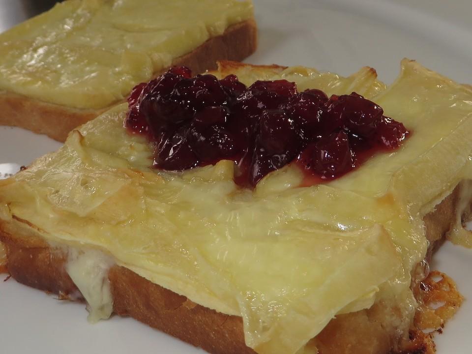 toast mit camembert rezept mit bild von anthea9. Black Bedroom Furniture Sets. Home Design Ideas
