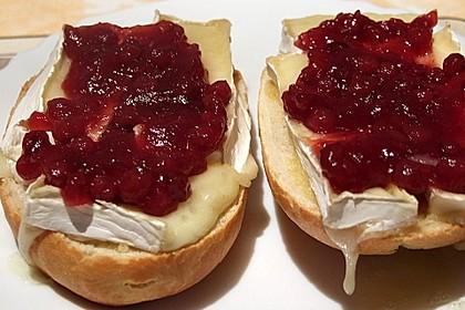 Toast mit Camembert 2