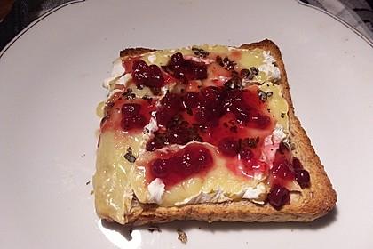 Toast mit Camembert 4