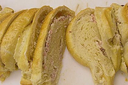 Schwäbischer Zopf mit Schinken - Käsefüllung 16