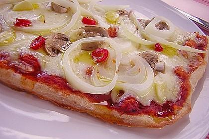 Superknuspriger Pizzateig 14