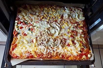 Superknuspriger Pizzateig 16