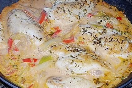 Putenmedaillons in cremiger Gemüsesauce mit Gelbreis 40