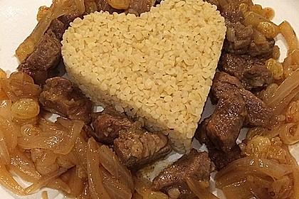 Lamm - Bulgur mit Rosinen - Zwiebeln