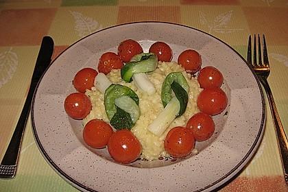 Safranrisotto mit Ofentomaten und glaciertem Zwiebellauch 5