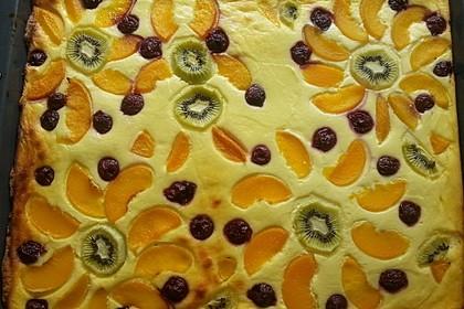 Quarkkuchen vom Blech mit Früchten 10