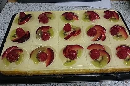 Quarkkuchen vom Blech mit Früchten 4