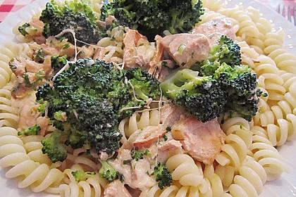 Tagliatelle in  Lachs - Sahne - Brokkoli - Soße 4