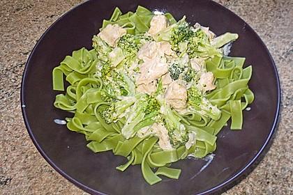 Tagliatelle in  Lachs - Sahne - Brokkoli - Soße 3