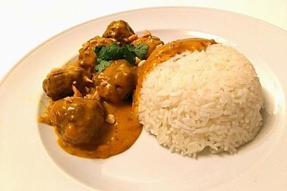Erdnuss - Hack - Bällchen in Currysauce 1