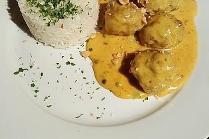 Erdnuss - Hack - Bällchen in Currysauce 8
