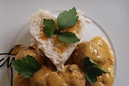 Erdnuss - Hack - Bällchen in Currysauce 3