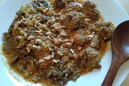 Erdnuss - Hack - Bällchen in Currysauce 19