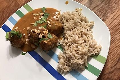 Erdnuss - Hack - Bällchen in Currysauce 6