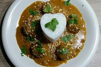 Erdnuss - Hack - Bällchen in Currysauce 5