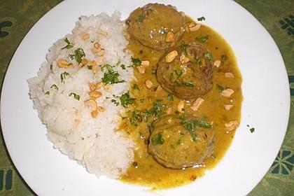 Erdnuss - Hack - Bällchen in Currysauce 4