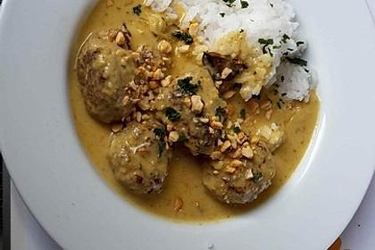 Erdnuss - Hack - Bällchen in Currysauce 11