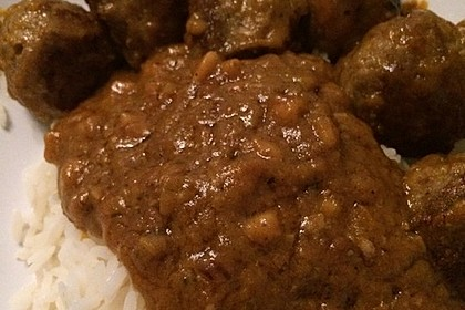 Erdnuss - Hack - Bällchen in Currysauce 22