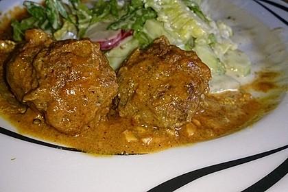Erdnuss - Hack - Bällchen in Currysauce 15