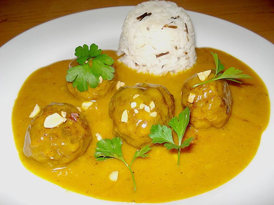 Erdnuss - Hack - Bällchen in Currysauce