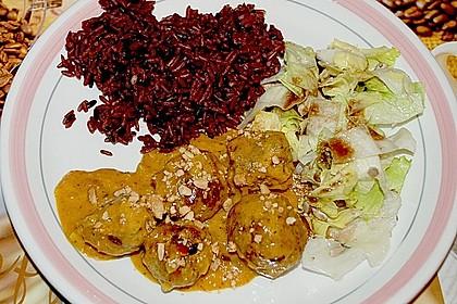 Erdnuss - Hack - Bällchen in Currysauce 17