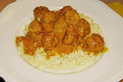 Erdnuss - Hack - Bällchen in Currysauce 10