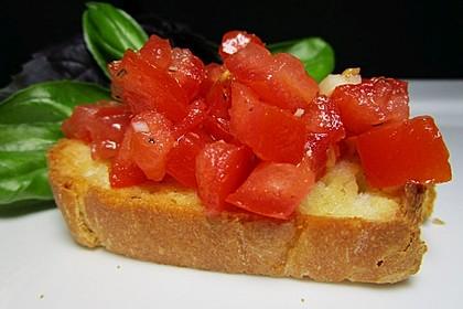 Bruschetta mit Tomaten und Knoblauch 5