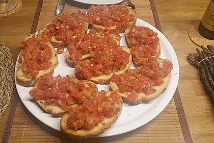 Bruschetta mit Tomaten und Knoblauch 34
