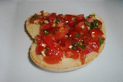 Bruschetta mit Tomaten und Knoblauch 64