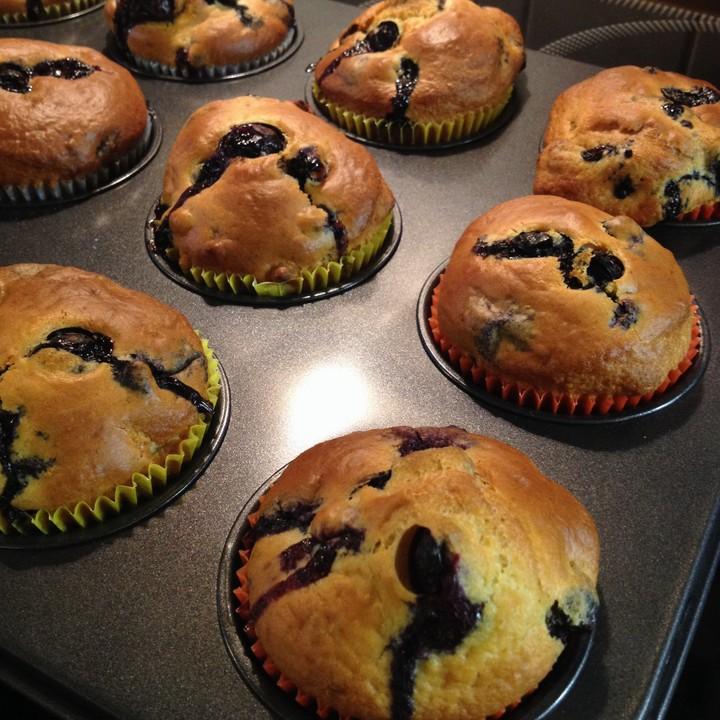 buttermilch blaubeer muffins von luckys home. Black Bedroom Furniture Sets. Home Design Ideas