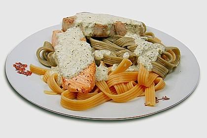 Fettuccine mit verschiedenen Fisch - Steaks und Käse - Sahnesauce
