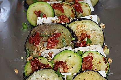 Auberginen-Zucchini-Fetapäckchen 5