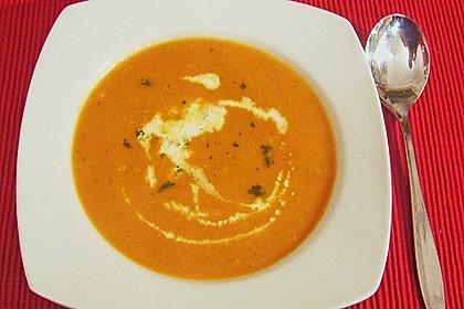 Tomatensuppe mit Gorgonzola 3