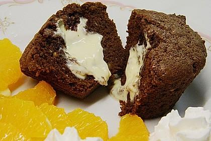 Schokoladentörtchen mit flüssiger weißer Schokolade 4