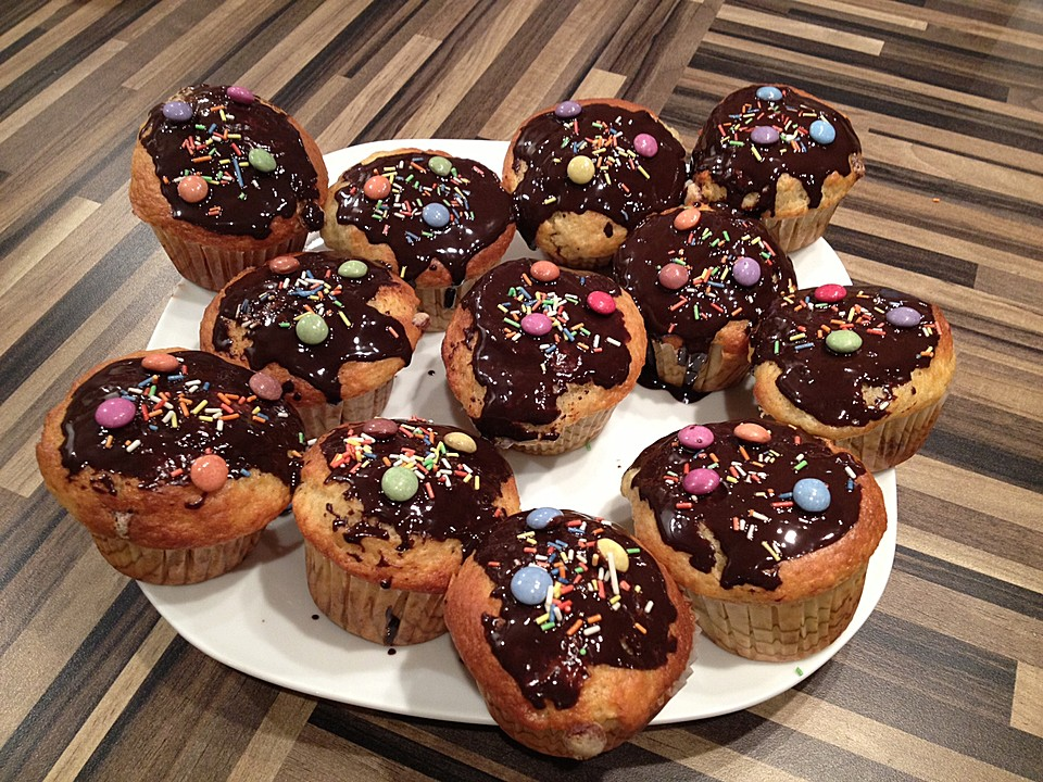 smarties muffins rezept mit bild von apfelfee. Black Bedroom Furniture Sets. Home Design Ideas