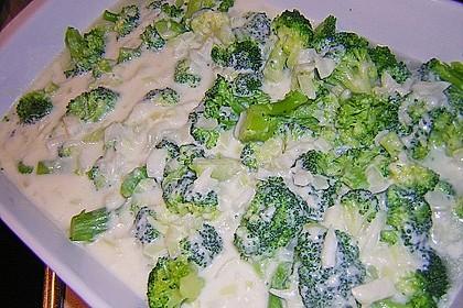 Mit Parmesan überbackener Brokkoli 2