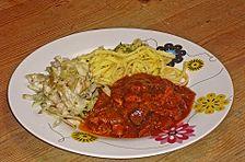 Gulasch mit Rahm und Zwiebeln