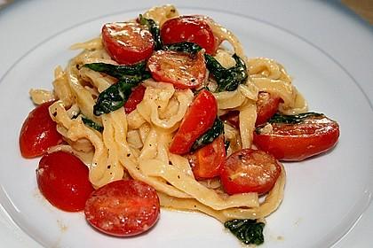 Spaghetti mit Cocktailtomaten 23