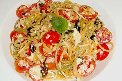 Spaghetti mit Cocktailtomaten 59
