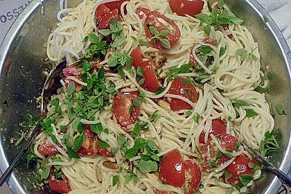 Spaghetti mit Cocktailtomaten 42