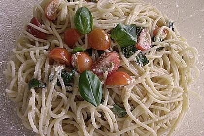 Spaghetti mit Cocktailtomaten 32